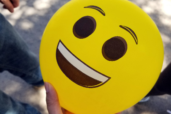 balloon, happy face, emoji